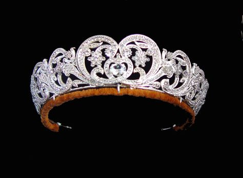 The Spencer Tiara :  The Spencer Tiara is mounted in gold in the form of stylised flowers decorated in diamonds in silver settings