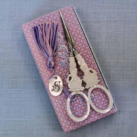 """Needlework Collectors Sajou French /""""Hare/"""" Scissors Embroidery"""