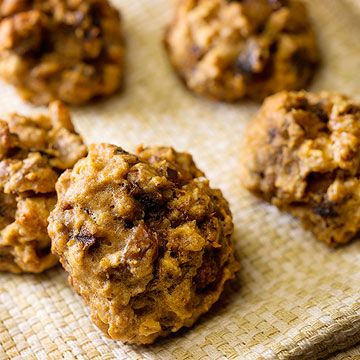 Applesauce replaces some of the fat in these sweet, chewy #cookies that are perfect for an afternoon snack or #dessert.