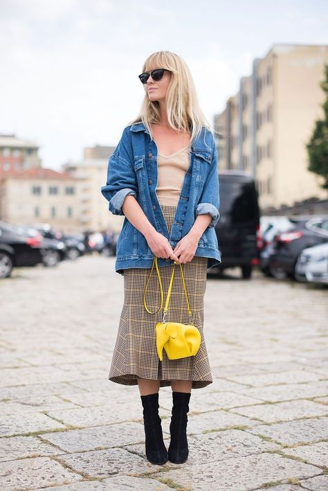 Whether you're running casual errands or have a full day on-the-go, we've paired some easy-wear outfit ideas that go beyond the defaulted t-shirt and jeans.