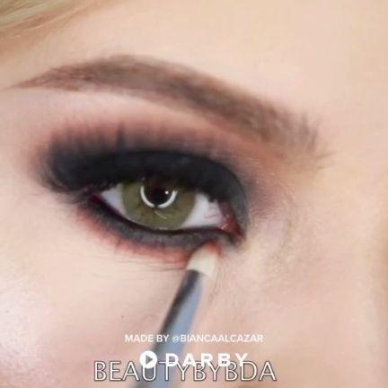 The Perfect Smokey Eye Look #darbysmart #tutorial #makeuptutorial #makeuptips #makeuptricks #makeuphacks #beautytutorial
