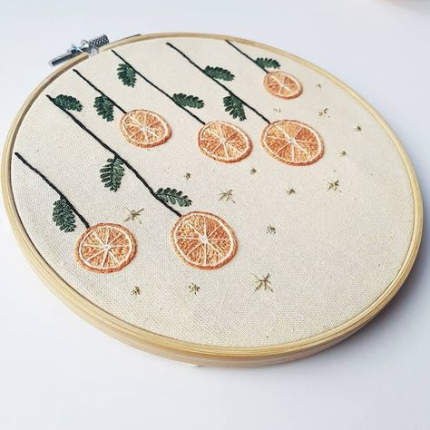 Christmas Embroidery Patterns, Basic Embroidery Stitches, Embroidery For Beginners, Modern Embroidery, Embroidery Hoop Art, Cross Stitch Embroidery, Simple Embroidery Designs, Embroidery On Clothes, Creative Embroidery