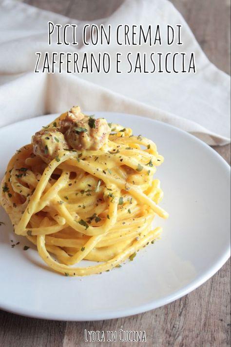 Ipici alla crema di zafferano e salsicciasono un primo piatto gustoso e facilissimo da preparare  I pici sono un tipo di pasta simile agli spaghetti ma più spesso, tipico della parte meridionale della Toscana, in particolare della provincia di A -  p
