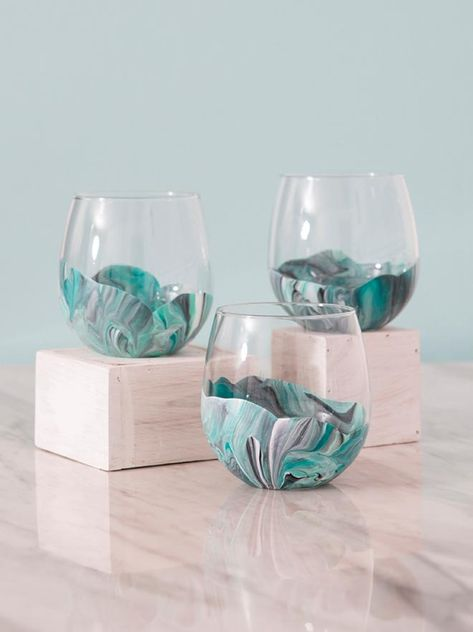 These marble wine glasses are super easy to paint! bottle crafts cricut You HAVE To See How Easy These Marble Wine Glasses Are To Paint!