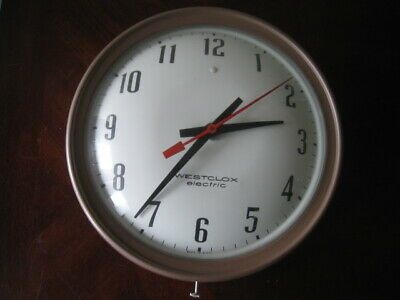 Ebay Ad Link Vtg Westclox Electric Wall Clock S18 A Monitor Metal Glass 10 X1 In 2020 Clock Wall Clock Glass