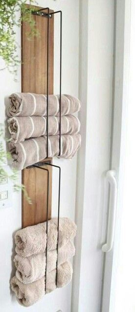 Diy Towel Holder Made With Wood Pallet And Wire Towel Holder Diy Towel Holder Bathroom Bathroom Towel Storage