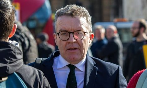 Tom Watson calls for inquiry into Arron Banks and Leave.EU