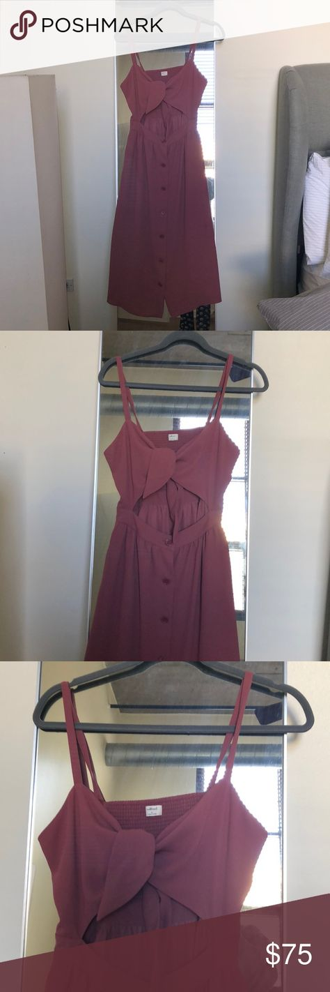 2a44245d281 Wilfred crop dress Worn once. Aritzia Wilfred crop top dress size 6 Wilfred  Dresses Midi