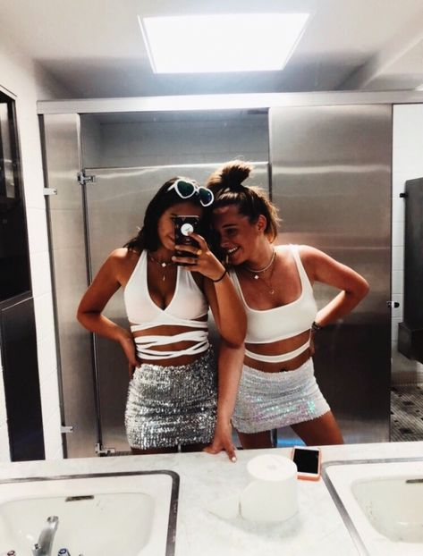 The Effective Pictures We Offer You About Girlie Style preppy A quality picture can tell you many th Edgy Outfits, Summer Outfits, Fashion Outfits, Concert Outfit Summer, College Party Outfit, Teen Party Outfits, Cute Rave Outfits, College Parties, Fashion Poses