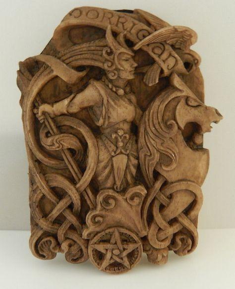 Dryad Design Cerridwen Plaque Clay Finish