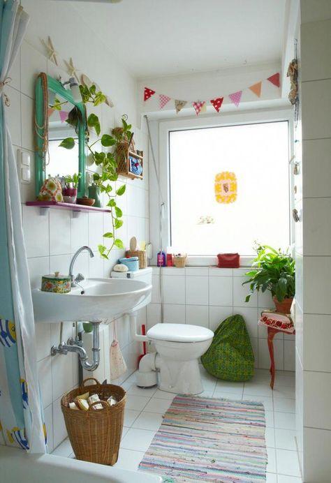 cuartos de baño modernos, baño pequeño decorado, plantas verdes ...