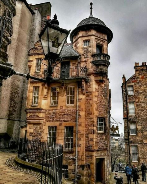 Lady Stairs Close in Edinburgh, Scotland Oh The Places You'll Go, Places To Travel, Places To Visit, Uk And Ie Destinations, Holiday Destinations, Beautiful World, Beautiful Places, Destination Voyage, Scotland Travel