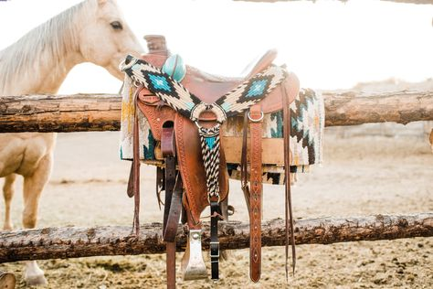 Horse Gear, My Horse, Horse Love, Horse Tips, Western Horse Saddles, Western Tack, Saddles For Horses, Western Saddle Pads, Horse Stalls
