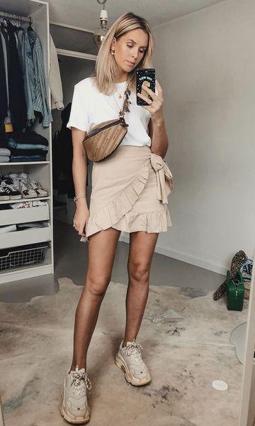 Look Saia Babados + Pochete   Roupas da moda, Estilo de rua