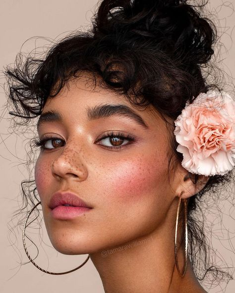 The Best Beauty Tips For People Of All Ages. A good beauty routine should be relaxing and pleasant. Now you can try some new beauty techniques with co