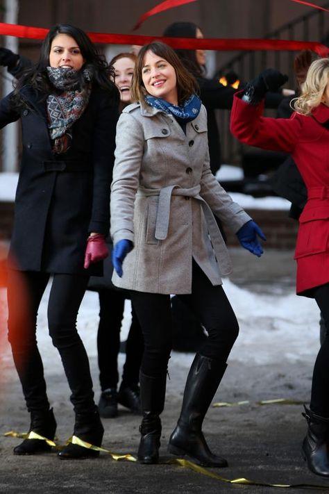 Dakota in NYC today recording for SNL!  #DakotaJohnson  #FiftyShades