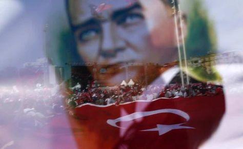 Θεωρίες συνωμοσίας για το πραξικόπημα στην Τουρκία: Οι πράκτορες της CIA και ο Αμερικανός στρατηγός