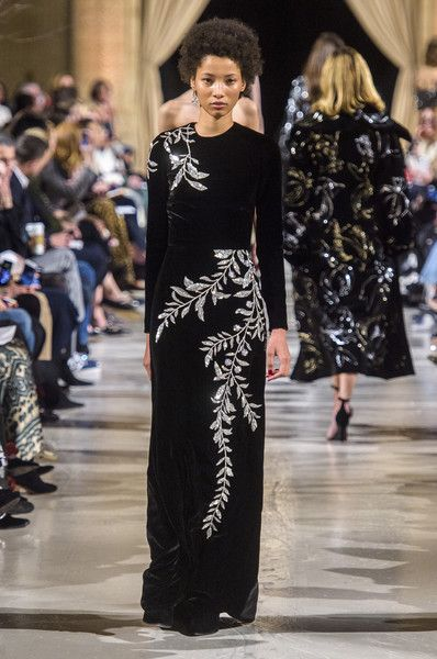 Oscar De La Renta At New York Fashion Week Fall 2018 Designer Evening Gowns Fashion Event Dresses