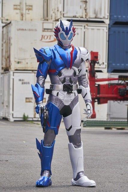 仮面 ライダー バルキリー スーツ アクター