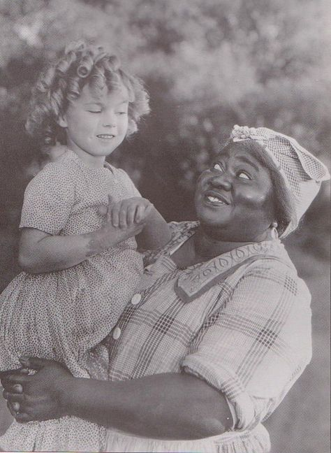 1935 Shirley Temple & Hattie McDaniel in The Little Colonel♥ hmmm china or celluloid buttons on Hattie's dress? (ever the button student;)