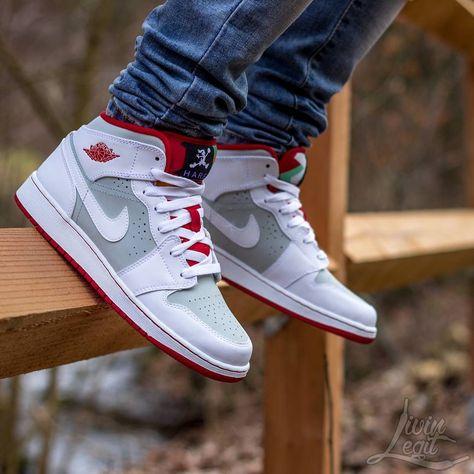 5f0f4cb4d349e9 Air Jordan 1 Mid WB Hare  Sneakers