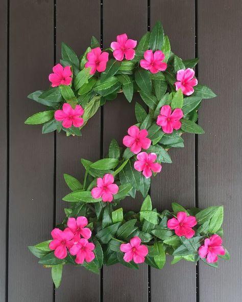27 Disney Moana Birthday Party Ideas - Pretty My Party - Party Ideas : DIY Moana Party Floral Number Decor Hawaiian Birthday, Luau Birthday, 4th Birthday Parties, Birthday Ideas, Birthday Door, Birthday Design, Flamingo Party, Flamingo Birthday, Moana Birthday Party Theme