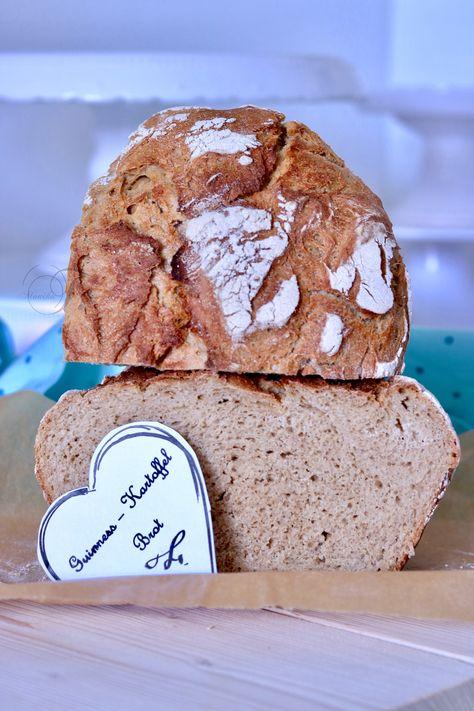 Der besste Brot Zutaten für mein Brot 300g Weizen Mehl 550 300g Roggen Mehl 997 20g Hefe 2 Esslöffel Gewürzsalz (Kümmel und Fenchelsamen mit Salz vermischt) 200g gekochte Kartoffeln 100ml Wasser 200ml Guinness (schwarz Bier)