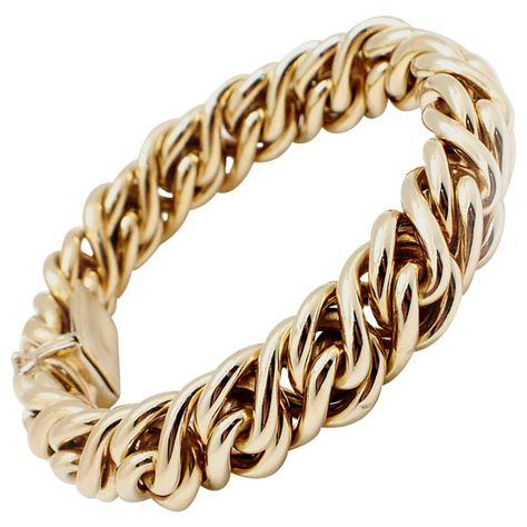 8c401cef544 Tiffany. Tiffany. Más información. Tiffany and Co. Gold Charm Link Bracelet