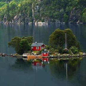I love architecture and epic clean spacious properties.....but there's a part of me that loves simplicity with everything within reach and a view that would take your breath away.....and as a lover of locations that encourage creativity I think I've found the perfect spot to spend some time! Hamnoy Norway.... I hope this place is listed on Airbnb!! #tinyhouse #Hamnoy #Norway #bucketlist by anthony_p01