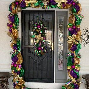 Christmas Swag Christmas Door Garland Christmas Decorations Etsy Christmas Swags Christmas Wreaths Diy Christmas Mantel Garland