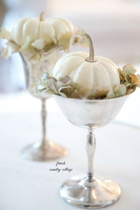 FRENCH COUNTRY COTTAGE: 5 Minute decorating- baby pumpkin vignettes