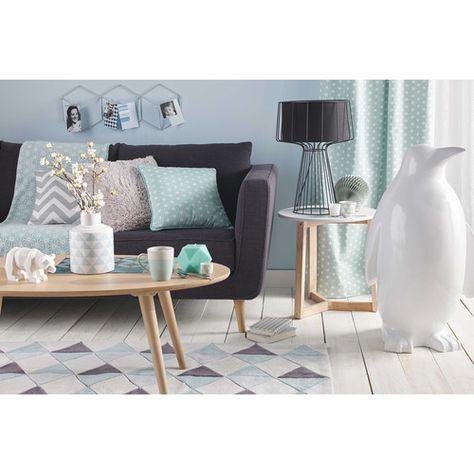 Canapé 2/3 places en tissu anthracite NILS, déco de jardin manchot WELLINGTON, tabla basse NOWAY   Maisons du Monde