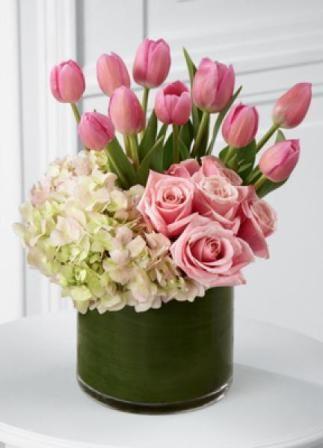 Hermoso Arreglo Floral Que Incluye 10 Tulipanes Rosados 6
