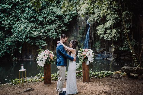 Incredible photography was able to capture this breathtaking elopement in Hawaii. Featuring Hawaiian waterfalls, and incredible bridal style, this elopement was the perfect merriment of tropical and elegant elements.