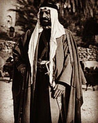 الشيخ عيفان العيثة شيخ شمل الدليم Raincoat Coat Mesopotamia
