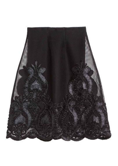 0ff371ef70b E-shop Maje - Jupe En Résille Brodée Jade Noir Maje pour femme sur Place  des tendances Groupe Printemps. Retrouvez toute la collection Maje pour  femme.