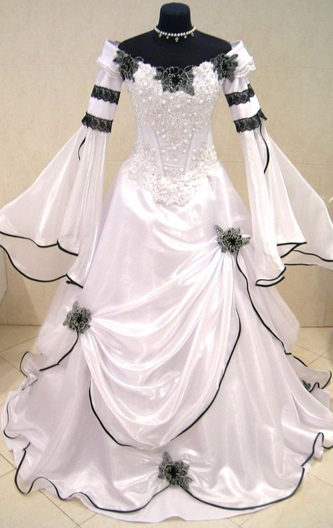 5eb24bdcabef Medieval wedding dress gothic handfasting larp wicca lotr witch pagan tudor  robe