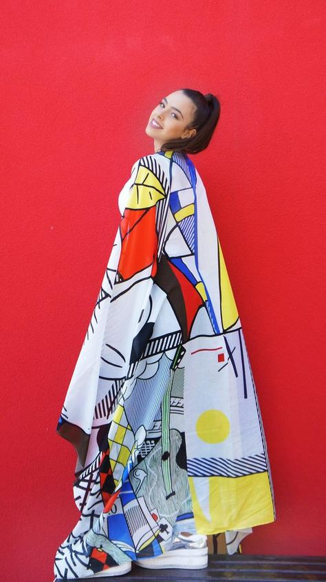 Get your own pop art inspired scarf by the great Roy Lichtenstein! Made from high quality materials and full of beautiful colors! The pop art look is a perfect addition to every street style! Make a special art gift to you or your family and friends! This scarf is in the perfect large size. It is a
