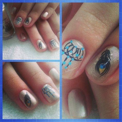 Instagram @marciaeng- Adesivos de unha  #nail #nails #nailart #unhas #