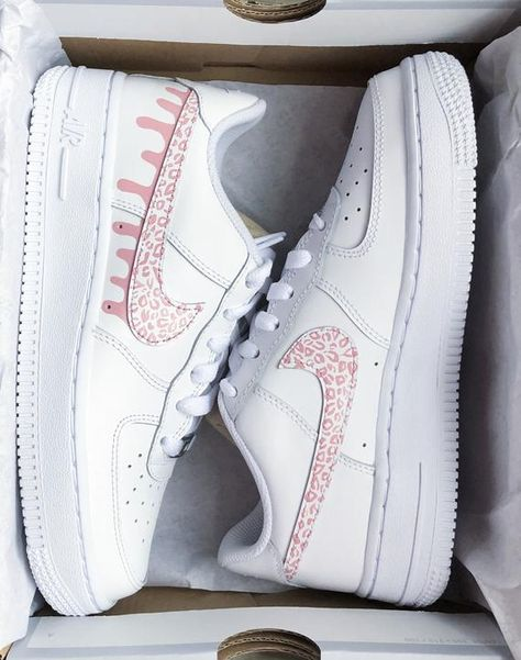 May 2020 - Custom Nike Airforce 1 Cheetah Drip Dr Shoes, Hype Shoes, Swag Shoes, Baby Shoes, Nike Air Force, Air Force Sneakers, White Nike Shoes, Nike Air Shoes, Nike Socks