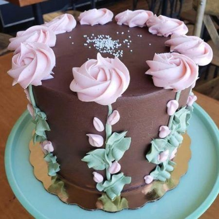 cake design with frosting best frosting for cake decorating #cakedecoratingfrosting - Cake