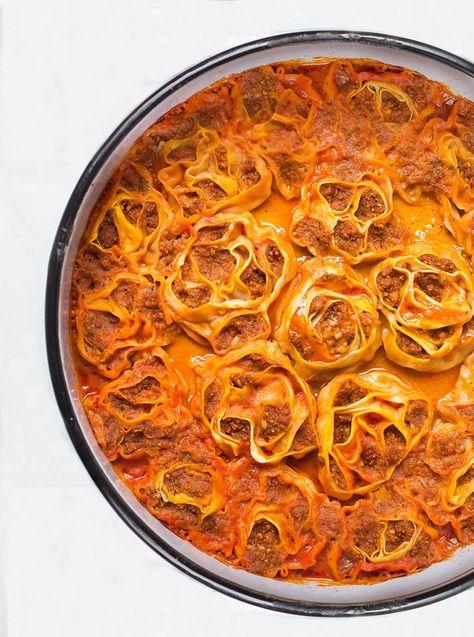 Einfach und lecker - dieser veganer Auflauf auf türkische Art begeistert nicht nur Fans der veganen und orientalischen Küche. Ausprobieren und genießen!