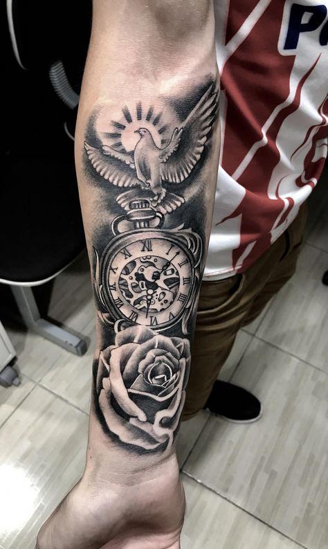 Halstätowierung - Black and grey tattoo
