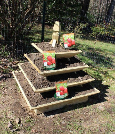 Woodworking Plans - Pyramid Planter - Illustrated with Photos! #woodworkingplans