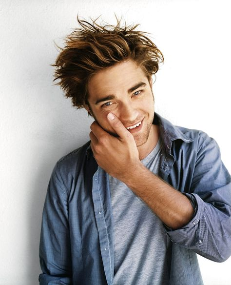 Rob Pattinson 360 ~ from every angle: Photo Robert Douglas, I Robert, What To Wear Today, How To Wear, Twilight Edward, Twilight Saga, Robert Pattinson Twilight, Twilight Pictures, Bob Seger