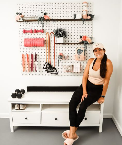 Diy Home Gym, Home Gym Garage, Gym Room At Home, Home Gym Decor, Basement Gym, Basement Makeover, Workout Room Home, At Home Workouts, Workout Room Decor
