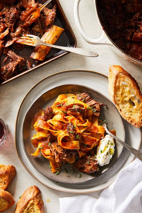 If youre looking for a homestyle ragú to up your family dinner game this slow-cooked braised beef pasta is just the recipe. One bite of this amazing sauce will help. Armenian Recipes, Irish Recipes, Italian Recipes, Armenian Food, Italian Dishes, Braised Short Ribs, Beef Short Ribs, Braised Beef, Pasta Recipes
