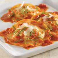 Turkey & Pesto Ravioli with Fresh Tomato Sauce