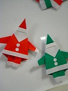 折り紙1枚で作るサンタクロース♪はさみは使いません!(顔は別