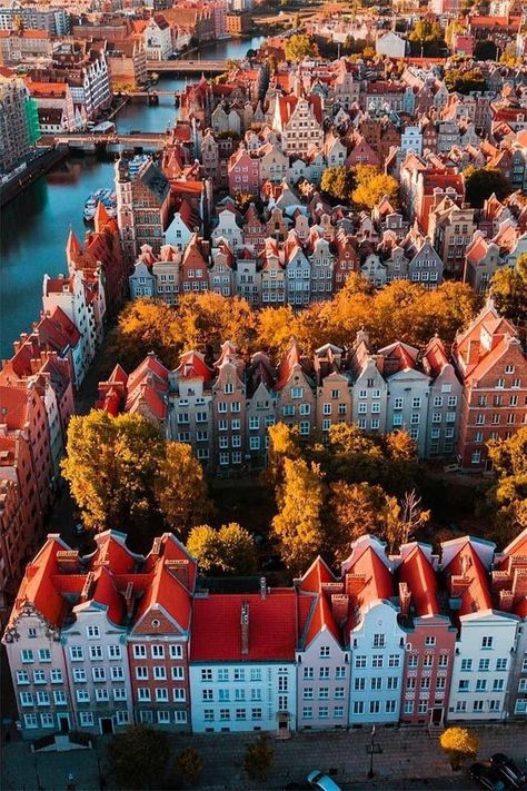 Gdansk used to be the Free City of Danzig which was a independent neutral city state that existed between 1920 and Places To Travel, Travel Destinations, Places To Visit, Wonderful Places, Beautiful Places, Wonderful Picture, Beautiful Beautiful, Beautiful Pictures, Gdansk Poland